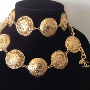 CHANEL Jewelry - Gold Cambon Paris 31 Rue Plated / Necklace Belt